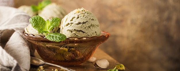 Helado de pistacho Foto Premium