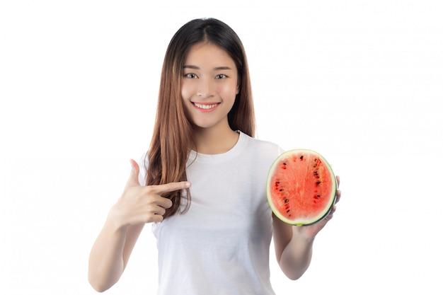 Hermosa mujer asia con una sonrisa feliz Foto gratis