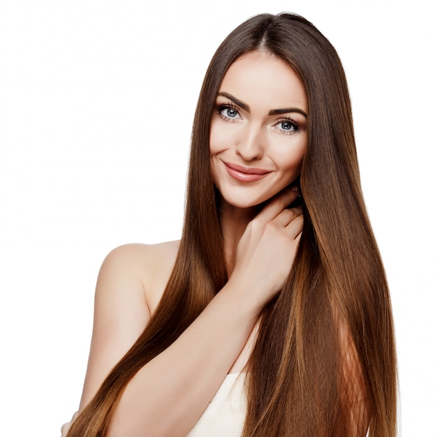 Hermosa mujer con piel limpia y fresca Foto Premium