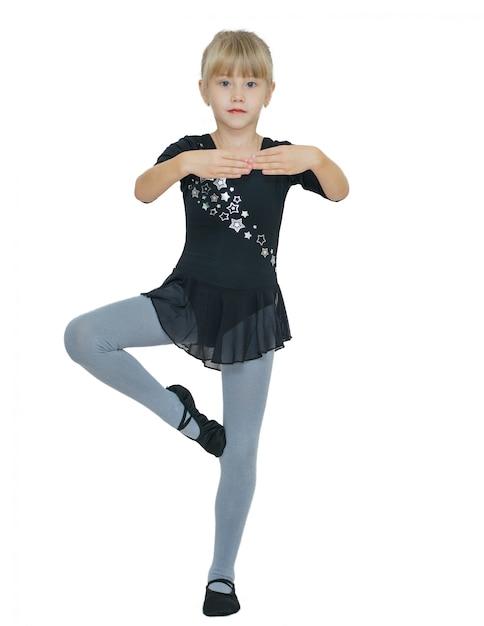 Hermosa niña disfrazada para el baile. Foto Premium