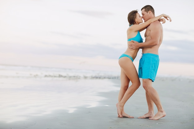 Parejas en la playa youtube