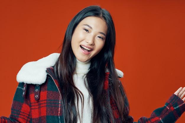 Hermosas jóvenes modelos posando, concepto de belleza, retrato de moda Foto Premium