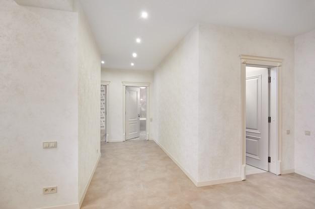 Hermoso apartamento nuevo interior, habitación vacía, nadie Foto Premium