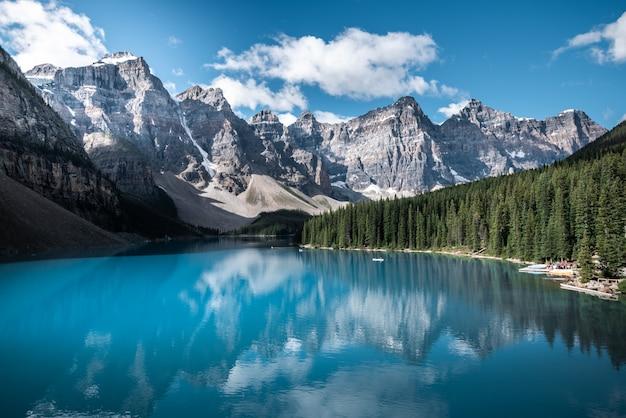 Hermoso lago en canadá Foto Premium