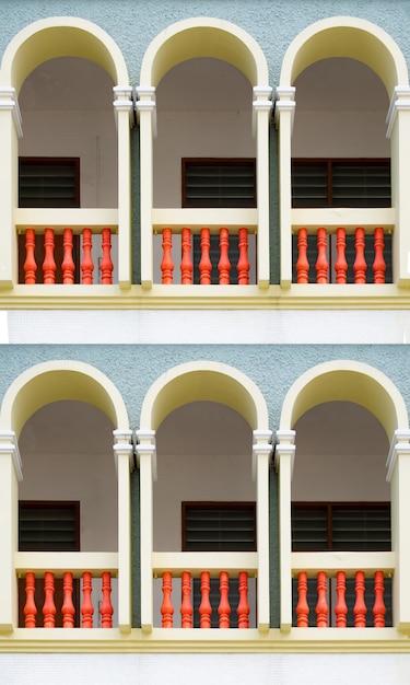 Hermosos y coloridos estilos de ventanas. Foto Premium