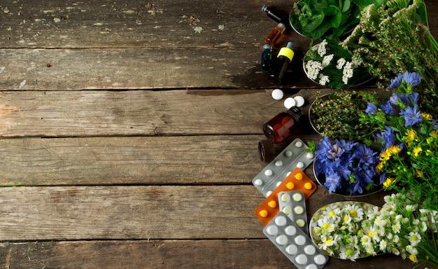 Hierbas medicinales frescas. Foto Premium