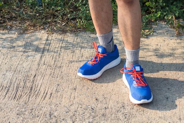 Hombre Atleta Las Joven Zapatillas Del Ata Que Asiático Deportivas HID9W2YE