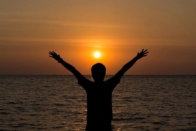 Fotos En La Playa Hombre: Hombre Silueta En La Playa