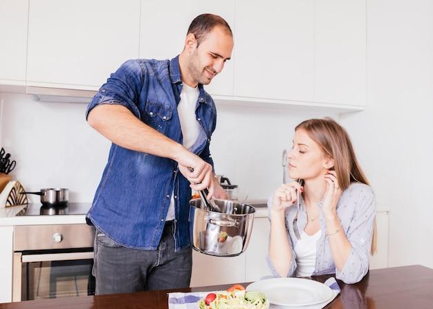 Resultado de imagen para imagenes esposa en la cocina