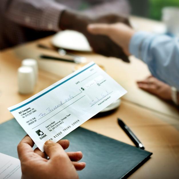 Hombres de negocios juntos concepto de comunicación Foto Premium