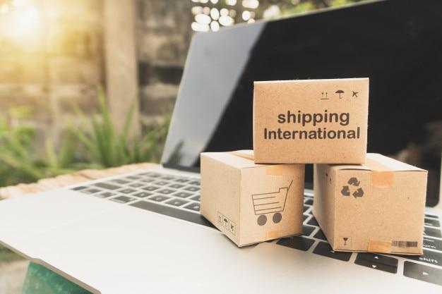 Idea de compras en línea y concepto de servicio / comercio electrónico. Foto Premium