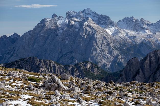 Impresionante foto de la madrugada en los alpes italianos Foto gratis