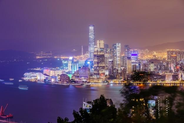 Impresionante vista panorámica del horizonte de la ciudad de hong kong antes del atardecer. Foto Premium