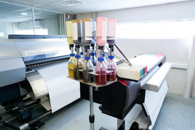 Impresora de papel de transferencia para industria textil. Foto Premium