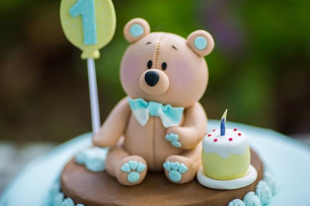 ~*~* Feliz cumpleaños, Hamol *~*~ Increible-pastel-primer-cumpleanos-nino-colores-azul-blanco-osito-masilla-azucar_158076-330