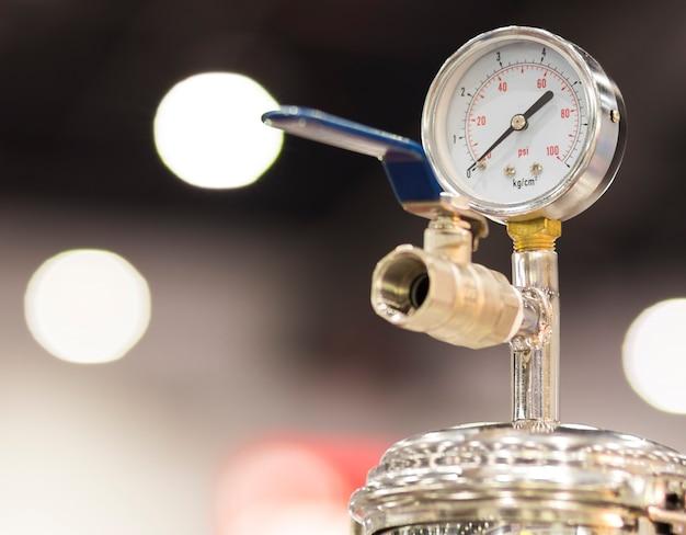 Indicador de presión para medir la presión del aire Foto Premium