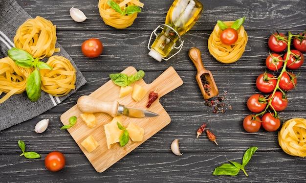 Ingredientes para comida italiana Foto gratis