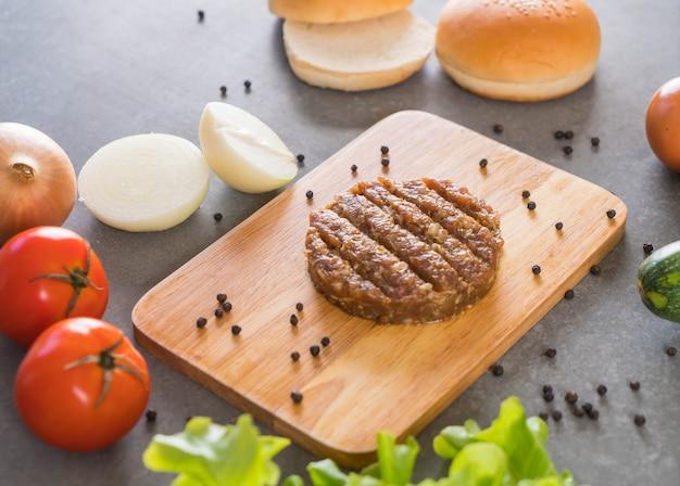 Ingredientes de hamburguesa Foto gratis