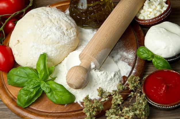 Ingredientes de pizza Foto Premium