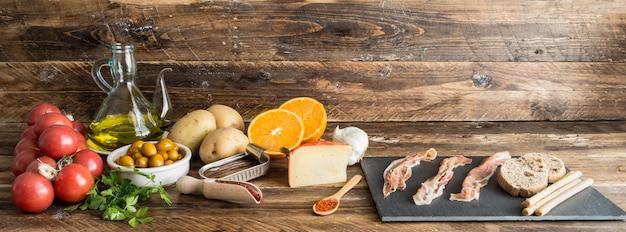 Ingredientes tipicos de españa Foto Premium