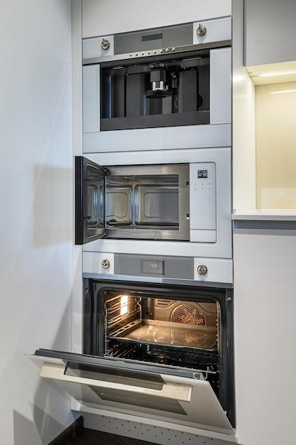Interior de cocina de lujo con diseño minimalista. Foto Premium