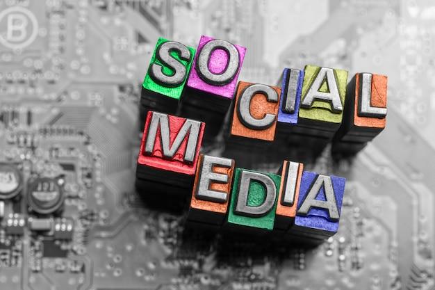 Internet, redes sociales y blog icono de la web Foto Premium
