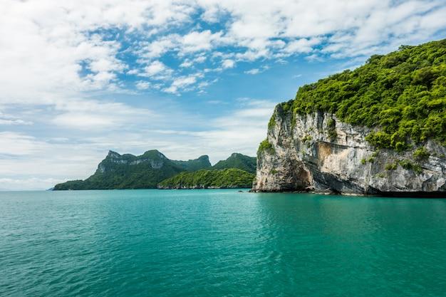 Islas angthong, koh samui, suratthani, tailandia Foto Premium