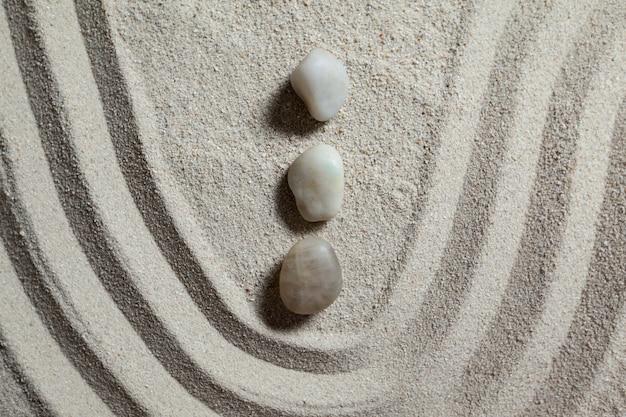 Jard n zen con arena y piedras rastrillado descargar - Arena jardin zen ...