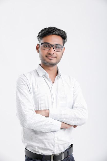 Joven estudiante universitario indio, india Foto Premium