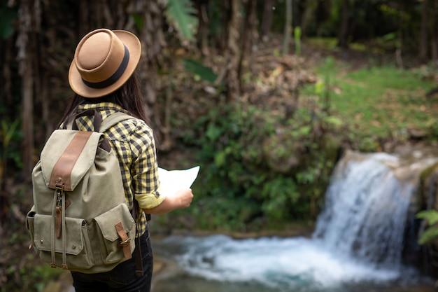Joven viajero Foto gratis