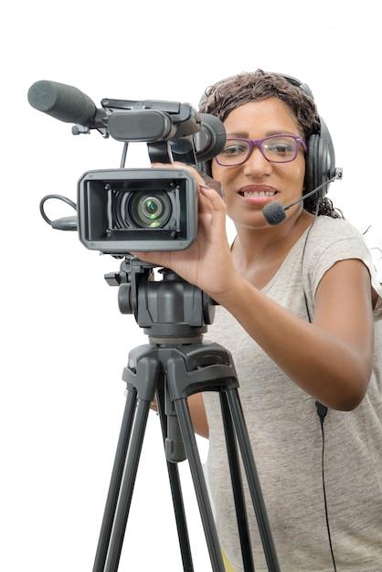 Jóvenes afroamericanas con cámara de video profesional Foto Premium