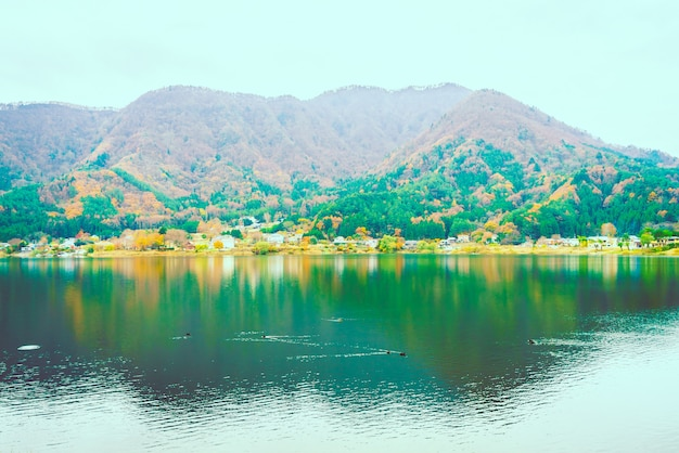 Lago kawaguchiko Foto gratis