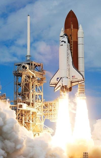lanzar cohete despegar los viajes espaciales de la NASA Foto Gratis