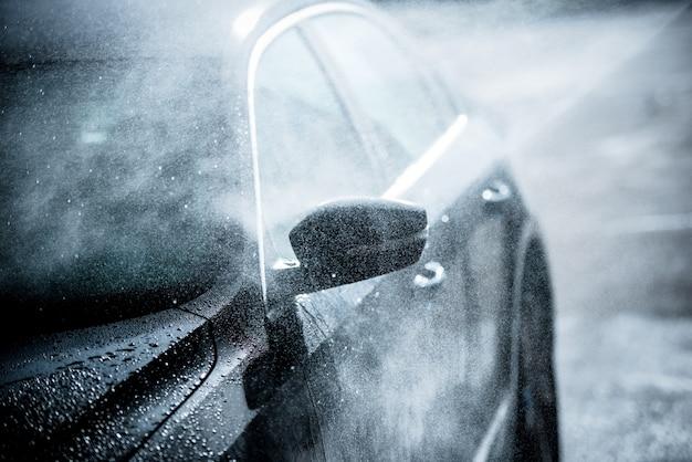 Lavado suave del coche Foto gratis