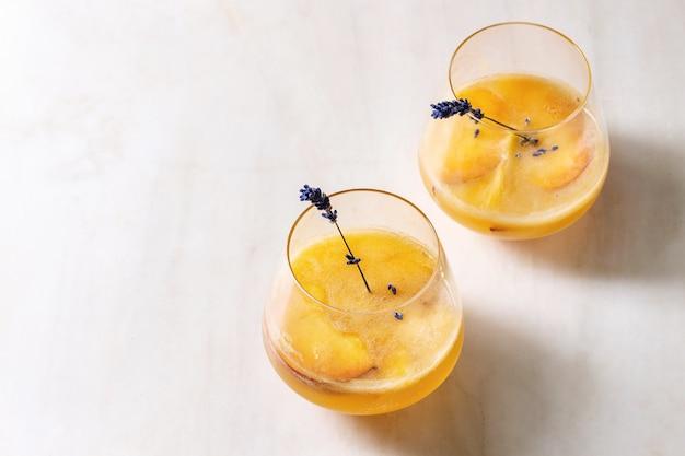 Limonada de coctel de durazno Foto Premium