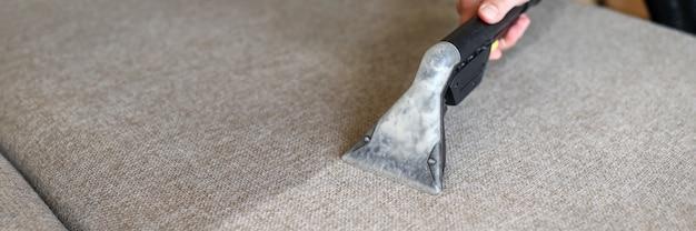 limpieza de sofas en el mantenimiento de empresa
