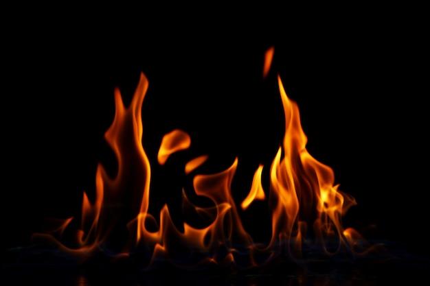 Llama de fuego brillante Foto gratis