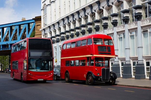 London red bus tradicional antiguo Foto Premium