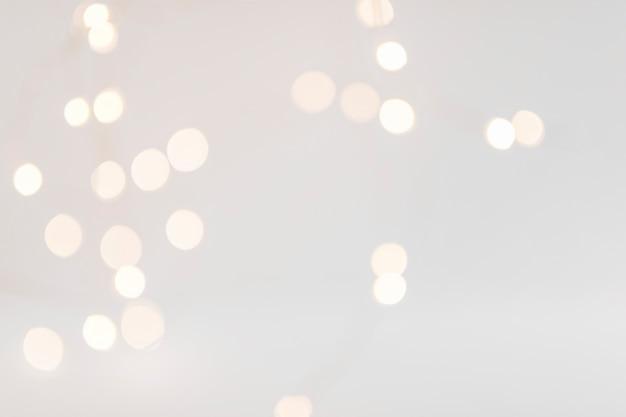 Luces de bokeh sobre fondo oscuro Foto gratis