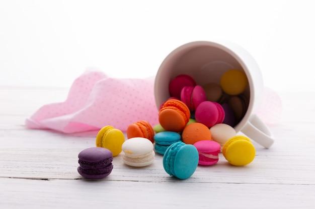 Macarons de colores Foto gratis