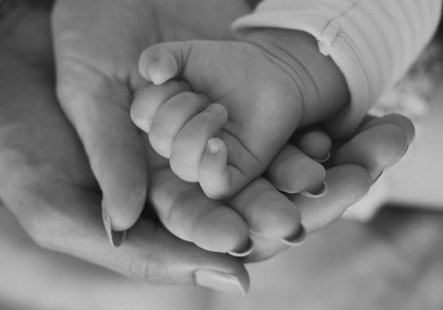 Madre Y Bebé Recién Nacido Amor Familia Emocional Descargar Fotos