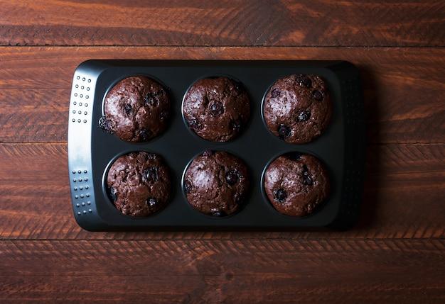 Magdalenas de chocolate - comida dulce americana Foto Premium