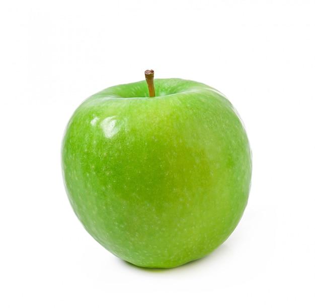 Manzana verde aislada en blanco Foto gratis