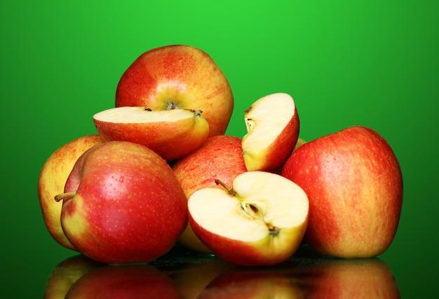 Manzanas frescas y sabrosas Foto gratis