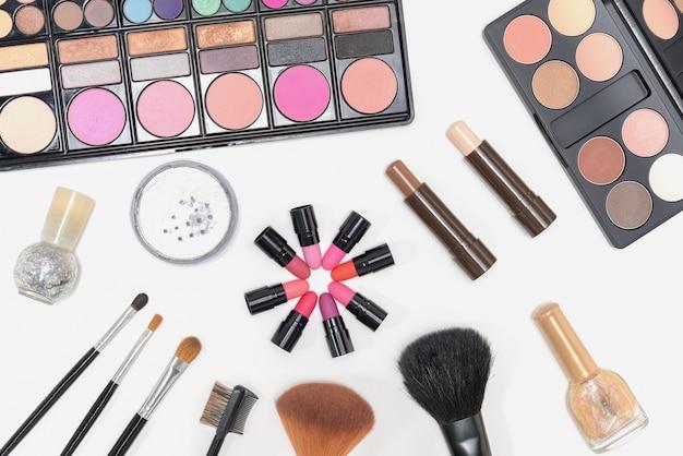 Imagenes De Maquillaje Para Descargar: Maquillaje Cosméticos Paleta Lápiz De Labios Y Pinceles