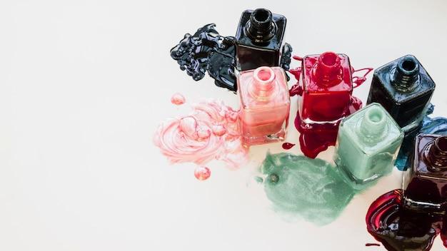 Maquillaje de esmalte de uñas Foto gratis