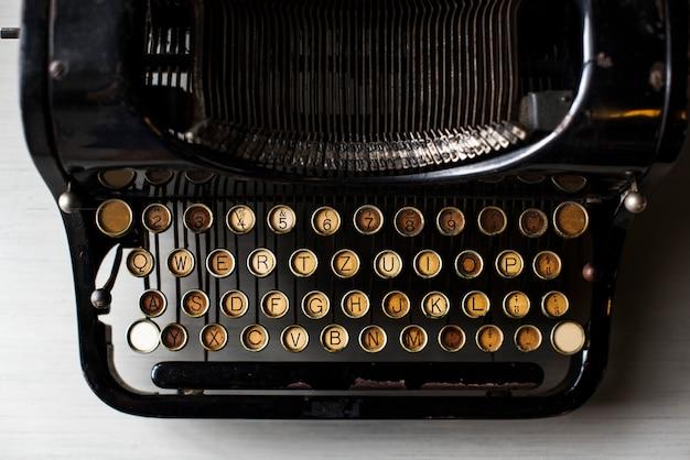 Máquina de escribir retro estilo antiguo Foto gratis