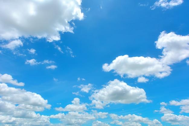 Fotos E Imagenes Cielo Azul Con Nubes