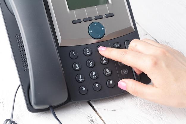 Marcación telefónica, contacto y atención al cliente. Foto Premium