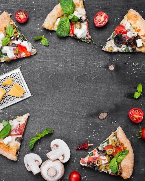 Marco circular de pizza vista superior Foto gratis